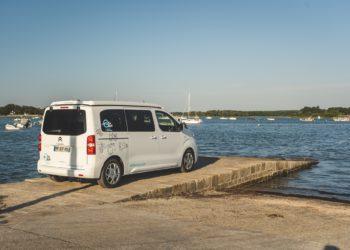 Pensez à la location d'un mini van aménagé pour vos vacances !