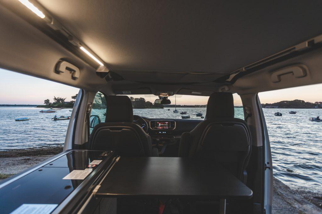 location van aménagé bretagne - l'intérieur du van